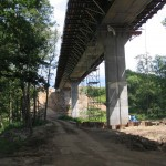 budowa estakady nad rzeką Łobzonką